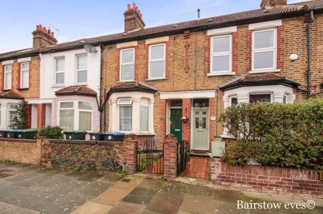 Thumbnail Flat for sale in Alberta Road, Enfield