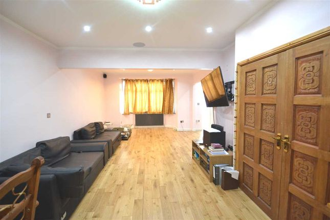 Thumbnail Semi-detached house to rent in Eastern Avenue, Ilford