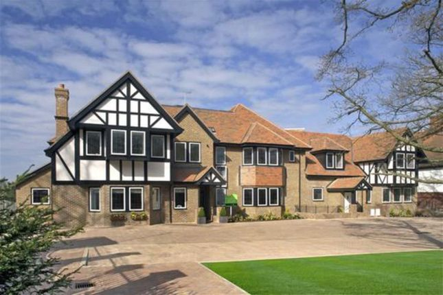 Thumbnail Flat for sale in Cockfosters Road, Hadley Wood, Hertfordshire
