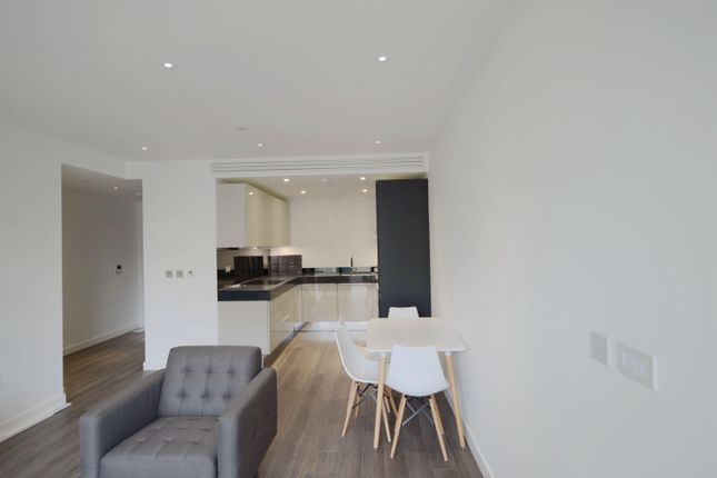 Thumbnail Flat to rent in 4 Canter Way E1,