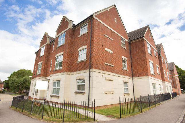 2 bed flat for sale in Alder Road, Weston Turville, Aylesbury