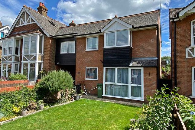 Thumbnail Flat for sale in Furlong Road, Bourne End
