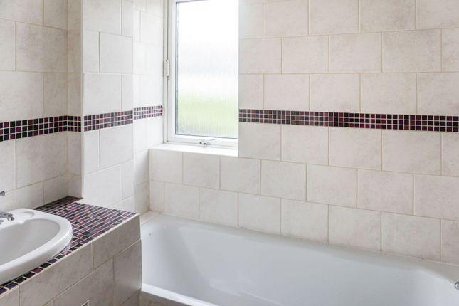 Family Bathroom of Dart Close, Plymouth PL3