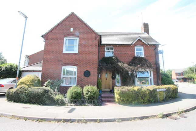 4 bed property for sale in Furnace Drive, Daventry NN11