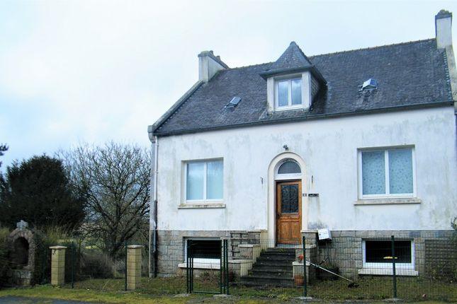 Thumbnail Detached house for sale in 29190 Lannédern, Brittany, France
