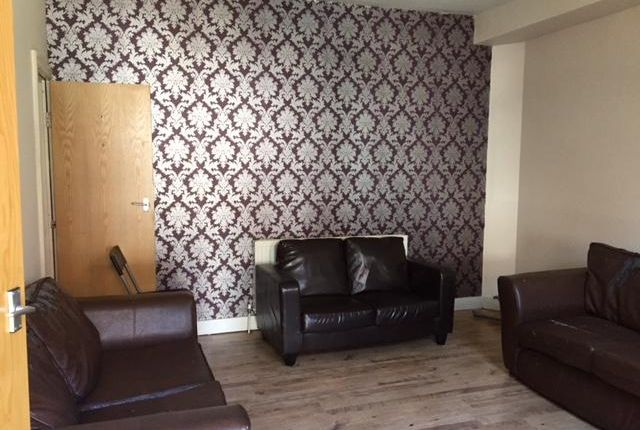 Thumbnail Shared accommodation to rent in Royal Park Terrace, Leeds