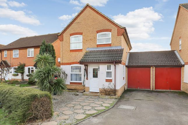 Detached house in  The Nightingales  Stanwell  Staines T East London