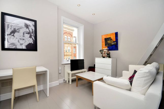 Studio for sale in Earls Court Square, Earls Court