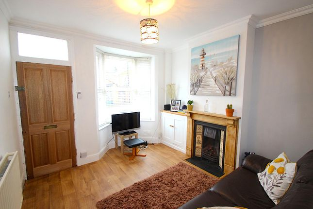 Lounge of Shaftesbury Road, Leicester LE3