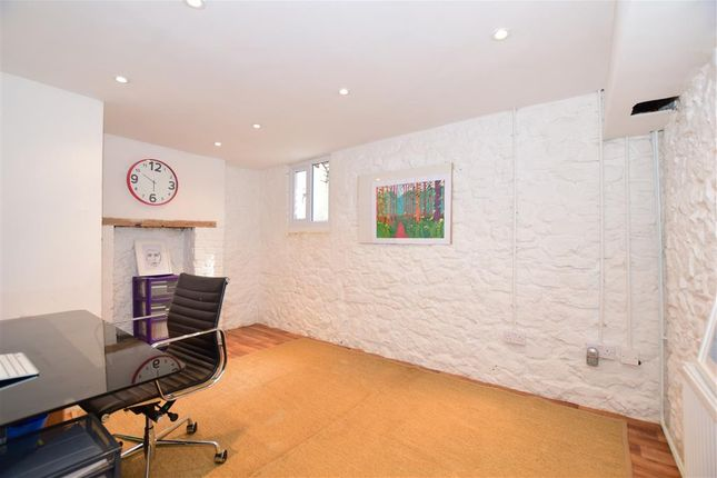 2 bedroom house in maidstone kent. 2 bed terraced house for sale in upper fant road, maidstone, kent bedroom maidstone e