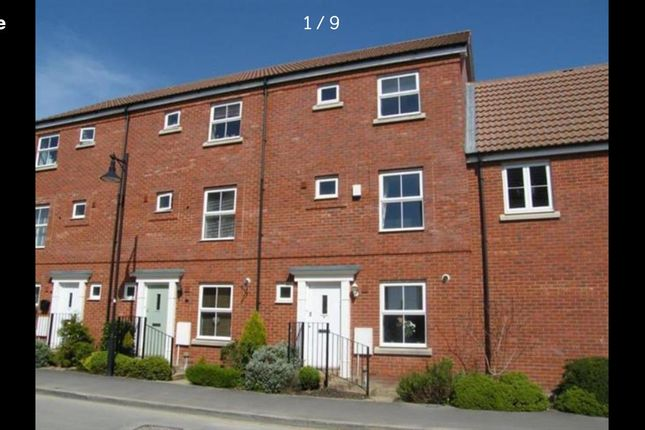 Thumbnail Town house to rent in Truscott Avenue, Redhouse, Swindon