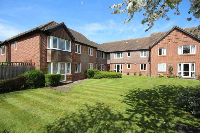 Thumbnail Flat for sale in Terrace Road South, Binfield, Bracknell