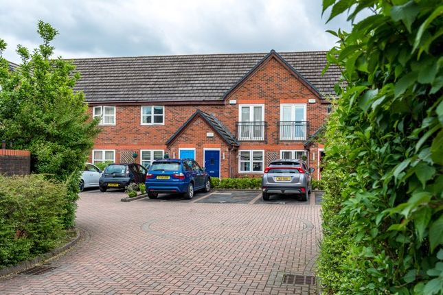 Flat for sale in The Farthings, Lymm