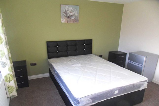 Thumbnail Room to rent in Rothbury Place, Oakwood, Derby