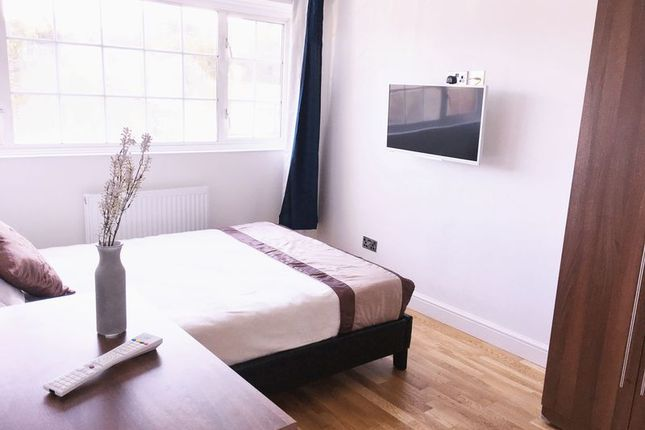 Thumbnail Flat to rent in Linstead Way, London