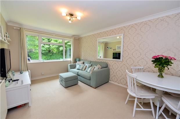 Thumbnail Maisonette to rent in Orpin Road, Merstham, Surrey