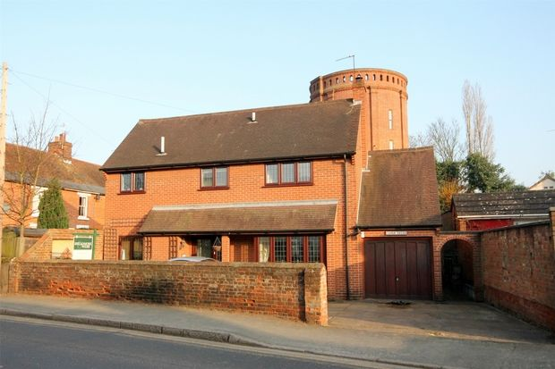 Thumbnail Detached house for sale in Head Street, Halstead