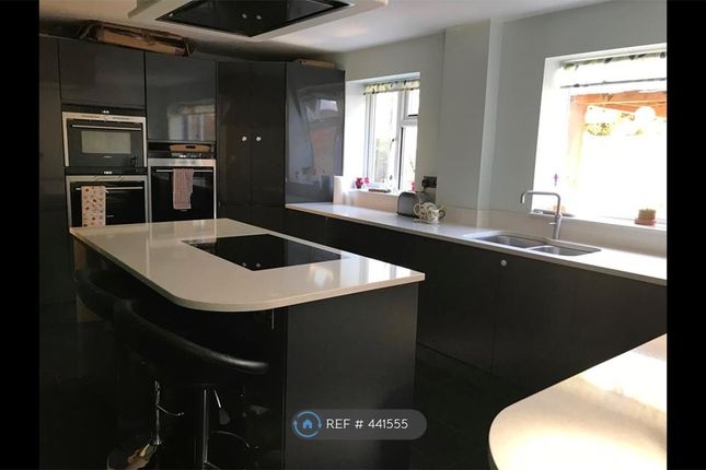 Thumbnail End terrace house to rent in Sarum Crescent, Wokingham