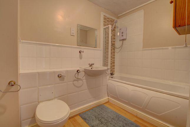 Bathroom of Dunlop Close, Dartford DA1