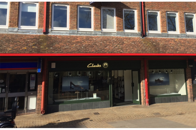 Thumbnail Retail premises to let in 73 Crockhamwell Road, Woodley, Reading