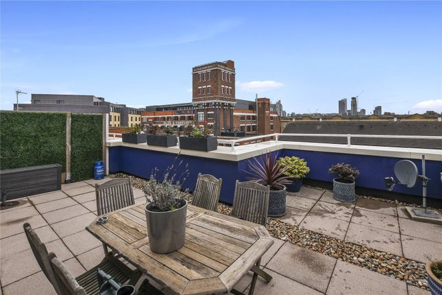 Thumbnail Flat for sale in Sunlight Square, Bethnal Green
