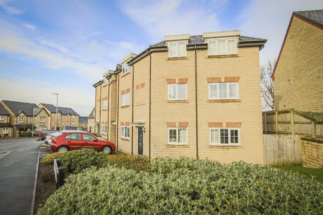 2 bed flat to rent in Edward Drive, Clitheroe BB7
