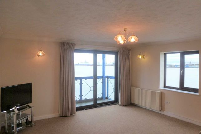 Thumbnail Flat to rent in West Street, Gravesend