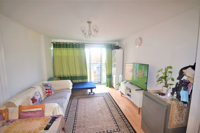 Thumbnail Flat to rent in City Gate House, Gants Hill