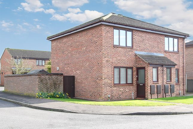 Thumbnail Semi-detached house for sale in Worcester Way, Melbourn