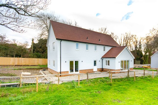 4 bed detached house for sale in Pluckley Road, Charing, Ashford TN27