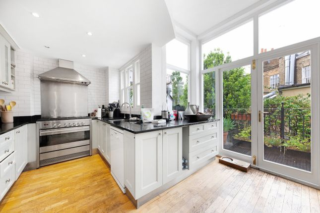 Thumbnail Terraced house to rent in Kensington Park Road, London