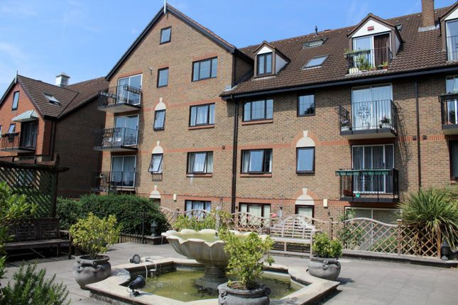 Thumbnail Flat To Rent In French Apartments Lansdowne Road Purley