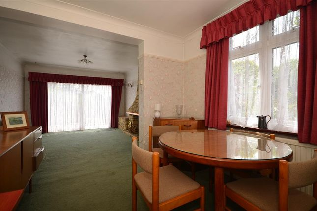 Thumbnail Bungalow for sale in Bowers Court Drive, Bowers Gifford, Basildon, Essex