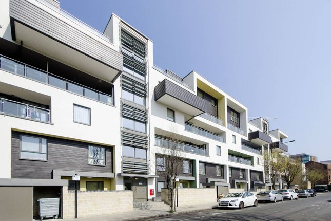 Thumbnail Flat to rent in Holystone Court, Isle Of Dogs