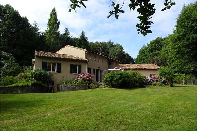 5 bed property for sale in Poitou-Charentes, Deux-Sèvres, Mazieres En Gatine