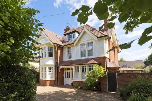 Thumbnail Terraced house to rent in Devonshire Road, Weybridge, Surrey