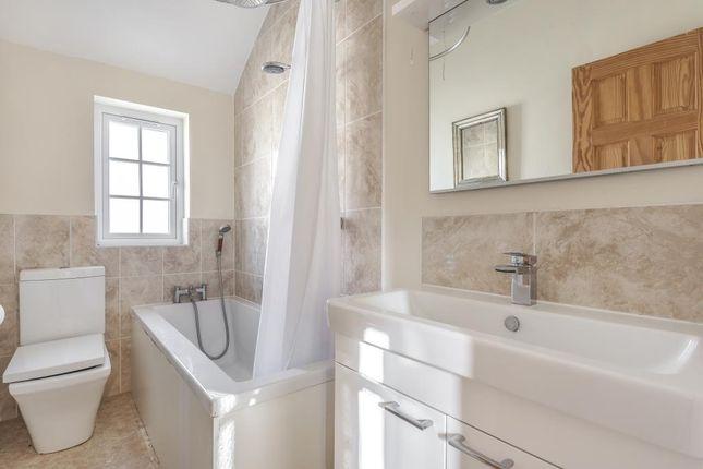 Bathroom of Grecian Street, Aylesbruy HP20