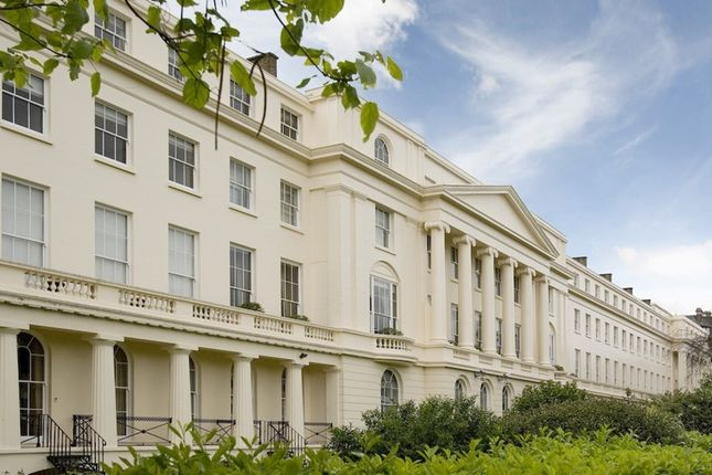 Thumbnail Flat to rent in York Terrace West, Regents Park, London
