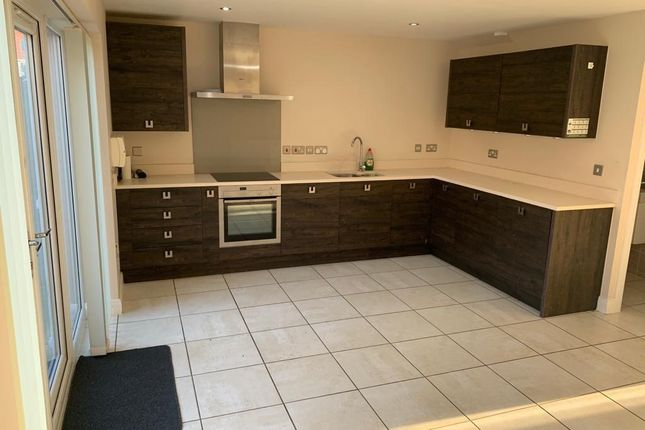 3 bed town house to rent in The Quays, Burton Waters LN1