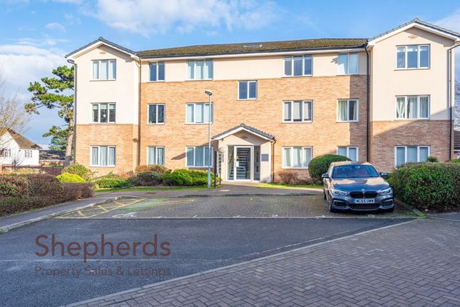 Thumbnail Flat for sale in Woollens Grove, Hoddesdon, Hertfordshire