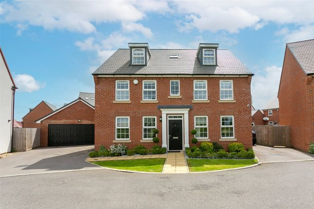 Thumbnail Detached house for sale in Griffiths Close, Bushey, Hertfordshire