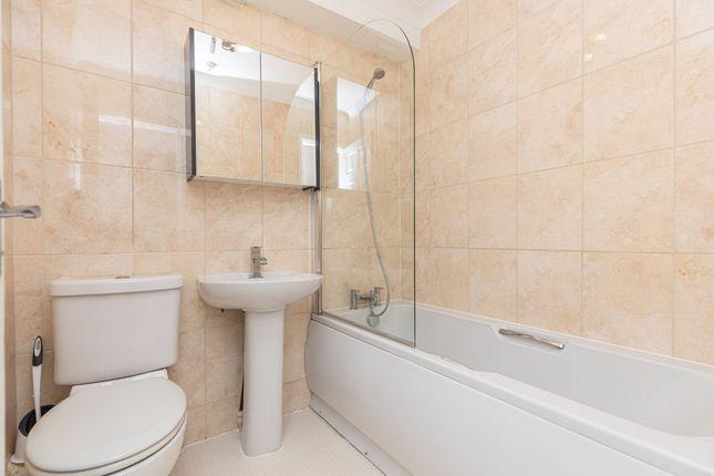 Thumbnail Flat to rent in Danecourt Road, Lavender Knot
