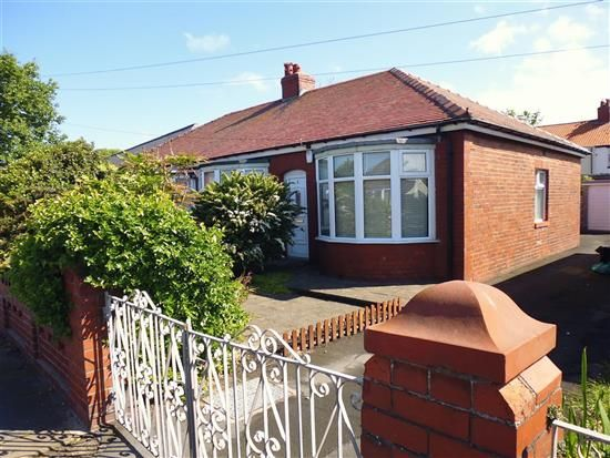 Thumbnail Bungalow to rent in Keston Grove, Blackpool
