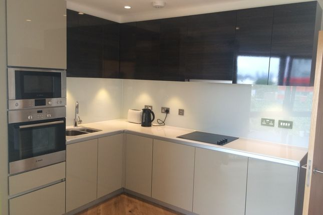 3 bed flat to rent in Bywell Place, London