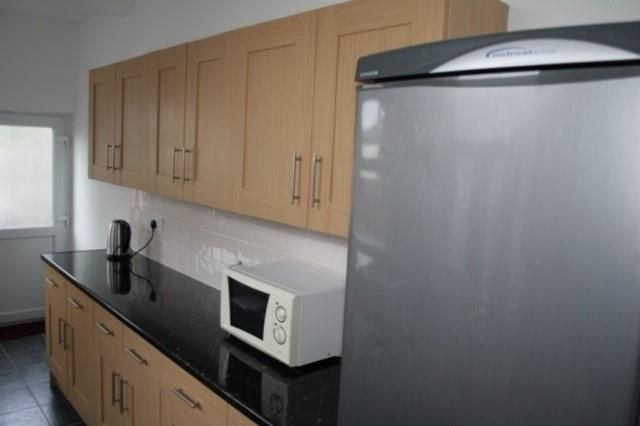 Kitchen 2 of Kingsland Avenue, Coventry CV5