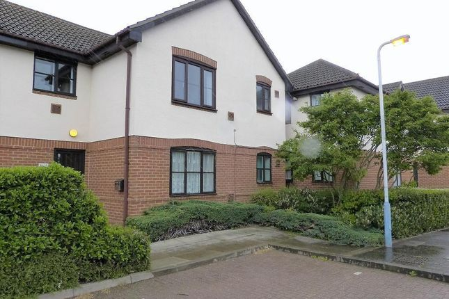Thumbnail Flat to rent in David Close, Harlington
