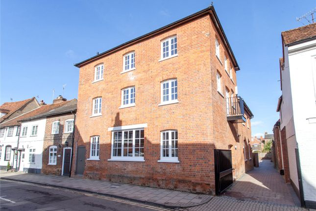 Thumbnail Flat to rent in Friday Street, Henley-On-Thames, Oxfordshire