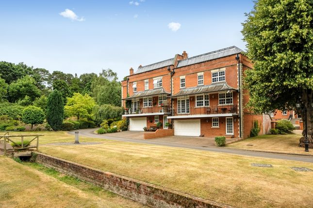 Thumbnail Property to rent in London Road, Sunninghill, Ascot