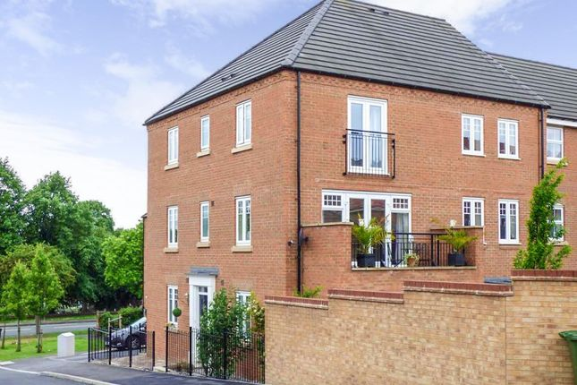 Thumbnail Town house for sale in Kitson Road, Castleford