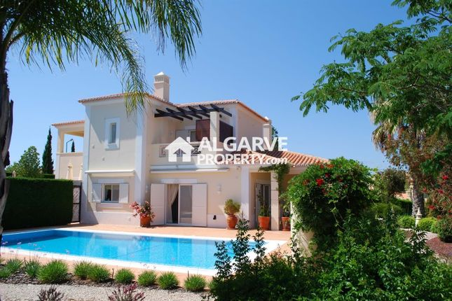 4 bed villa for sale in Lagoa, Portugal